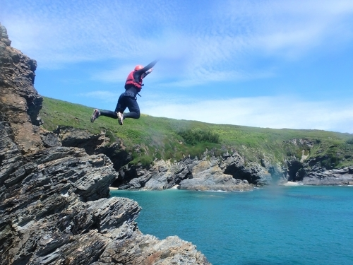 Cliff jumping and much more coasteering in Cornwall with Kernow Coasteering