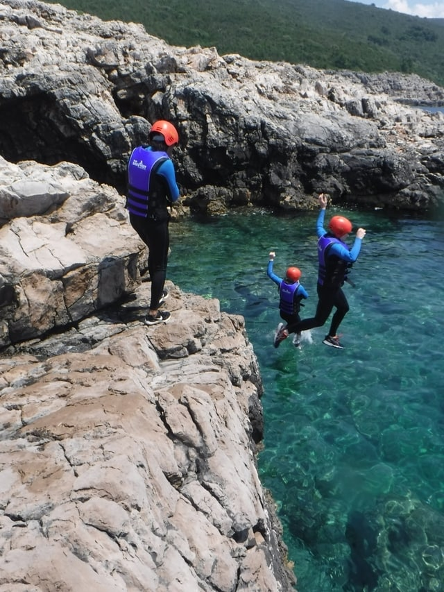 Cliff jumping in Montenegro with Active Travels Montenegro